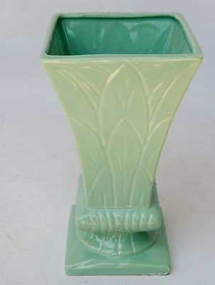 Robinson Ransbottom Pottery (RRPCo) Art Deco 4 sided Flared Vase Green marked