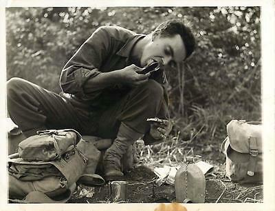 WWII U.S 3rd Infantry Div Soldier Eats Snack in Pietravairano, Italy Press Photo