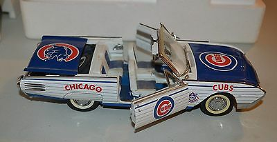 Chicago Cubs 1961 Ford Thunderbird Model 1:24 Scale