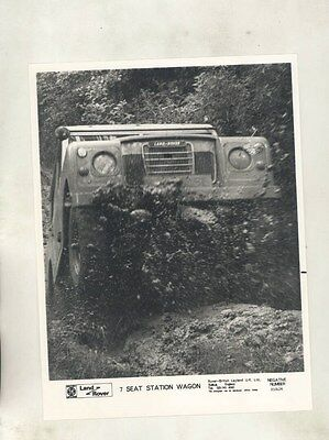 1973 ? Land Rover 7 Seat Station Wagon ORIGINAL Factory Photograph wy0807