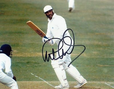 "GRAHAM GOOCH-ESSEX & ENGLAND TEST CRICKETER-SIGNED 8x10"" PHOTO #1-AFTAL/UACC"