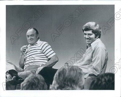 1976 CBS Series The Phil Donahue Show With Guest Comedian Bob Hope Press Photo