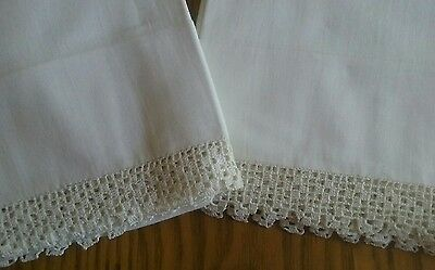 """Set Of Vintage White Cotton Pillowcases ~ 1 1/2"""" Hand Crocheted Edging"""