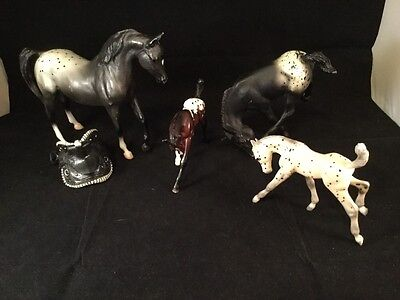 Vintage Lot Of 4 Classic Breyer Horses And Foals Plus Saddle