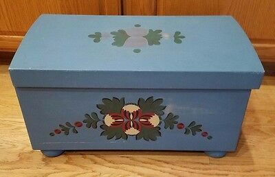 KIRSTEN American Girl Pleasant Company Doll Blue Storage TRUNK Hand Painted