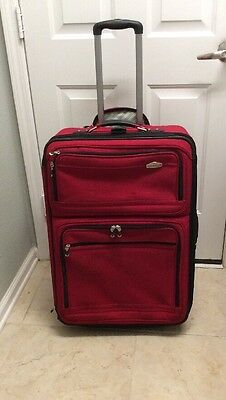 Ricardo Beverly Hills 27 Inch Upright Expandable Rolling Suitcase Red
