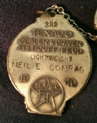 Vintage 1940 Texaco Medal Charm Token Dealer Driver Fisticuff Feud Boxing Texas