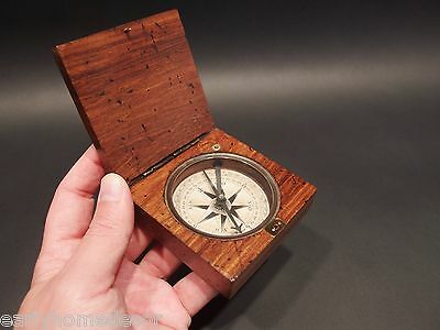Vintage Antique Style Navigational Compass w Old Looking Box Historic