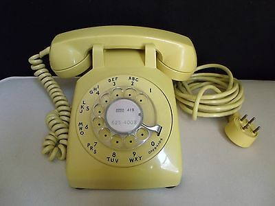 Bell System Western Electric 500 Yellow Rotary Dial Desk Telephone Phone Vintage