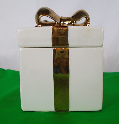 Vintage Lefton China White/Goldtone Gift Box-Made in Japan(650)