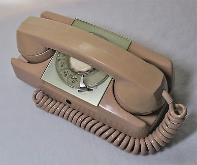 Automatic Electric STARLITE Beige / Pink Rotary Telephone Desk Phone Vintage