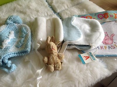 AUTHENTIC VINTAGE 1970s UNUSED BABY GIRLS/BOYS RETRO BUNDLE PRAM HATS  6/18 M
