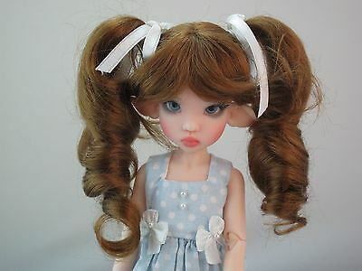 New Monique DARLING Wig Golden Auburn Size 5-6 YoSd BJD shown on Wiggs Raillie