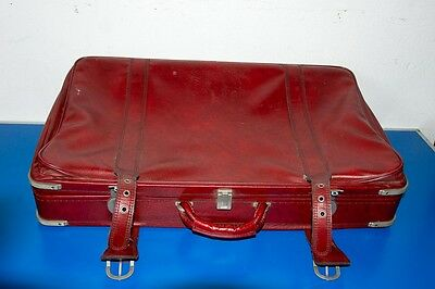 Alter roter Koffer Airline 75x45x17cm