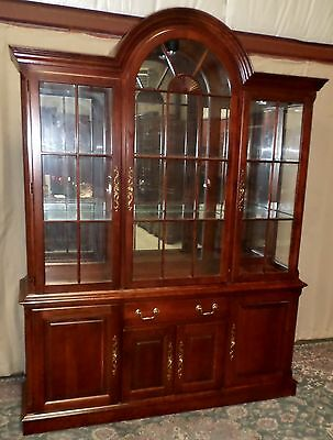 PENNSYLVANIA HOUSE CHINA CABINET Cherry Chippendale Style Lighted Hutch VINTAGE