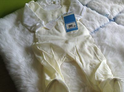 VINTAGE AUTHENTIC CLOTHING INFANT CHILDRENS BABY GR0 3/6 months 70s UNUSED