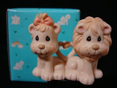 zi Precious Moments-Noah's Ark-2X2 LIONS ***VERY RARE!!!*** Retired 2005