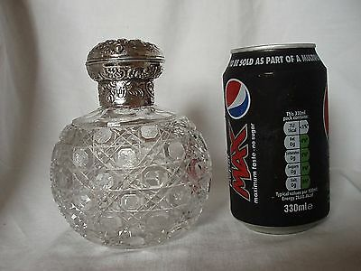 Scent Bottle William Comyns Sterling Silver London 1896