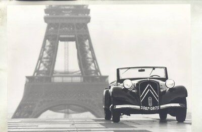 1938 Citroen Traction 11B Cabriolet Eiffel Tower ORIGINAL Factory Photo wy3111