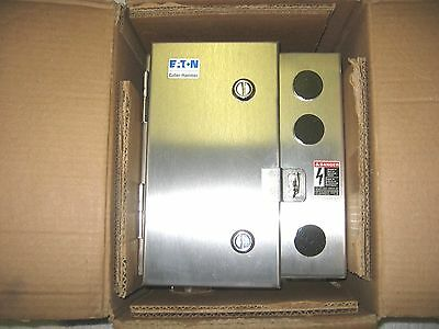Eaton / Cutler-Hammer 30A Magnetic Lighting Contactor in Stainless Enclosure New