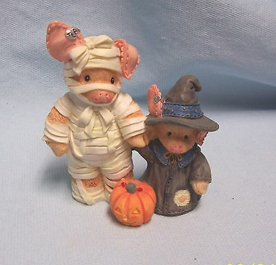 TLP The Little Pig Halloween Mummy 1995 Enesco 146734 You Are Such A Treat Mummy
