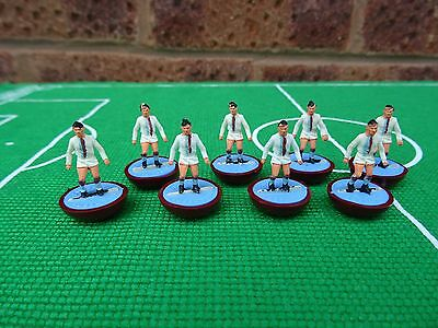+++ 8 x Subbuteo Heavyweight Spare Players - CRYSTAL PALACE - Ref: 102 +++