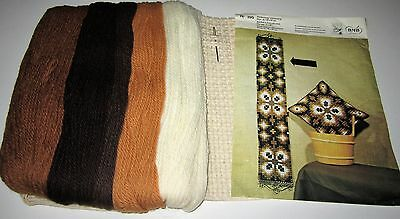Vintage BMB NEEDLEPOINT BELL PULL CANVAS and YARN KIT