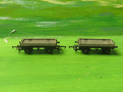 2x Triang hornby R17 / 18 flatbed wagons M59034 - OO Gauge