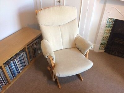 DuTailier Glider Nursery Chair / Nursing Chair Canadian made Excellent Condition
