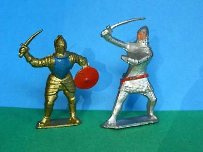 CRESCENT VINTAGE 1950s LEAD FOOT KNIGHTS IN ARMOUR IN COMBAT