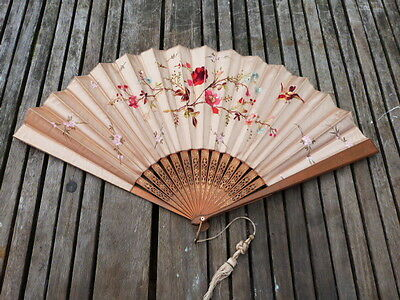 Stunning Quality Vintage Oriental Silk Embroidered & Hand Painted Hand Fan.