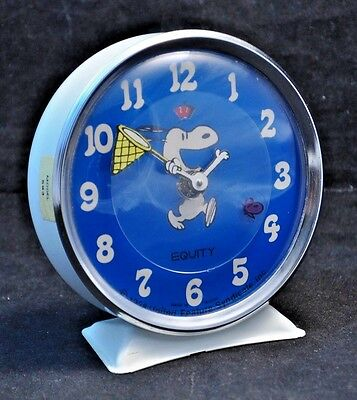 VTG Peanuts Snoopy Chasing A Butterfly Mechanical Alarm Clock