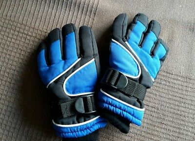 New Childs Thinsulate  Snow/ski Gloves Size 2-4