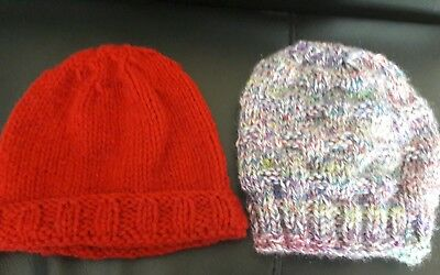 2 Baby boys hand-knitted coloured hats aged 0-6 months NEW