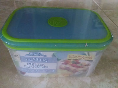 NEW! BALL Plastic Freezer Storage Container with Leak Resistant Lid 5.9 cups