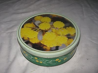 A 1980's Arnott's 450g Wattle Biscuit Assortment Tin (Empty)