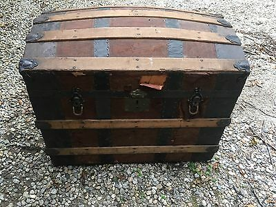 "Antique Wood & Metal Steamer Trunk WILL SHIP 31"" x 20"" x 25"""