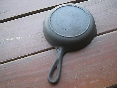 P4 Vintage Lodge  #3  P4 Cast Iron Skillet Frying Pan Heat Ring One Knot