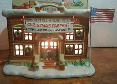 Department 56 Peanuts Pinecrest Elementary School Lighted Christmas        S5