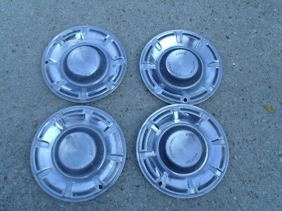 """4 pcs  Vintage Used  Ford Motor Company Hbcaps Hub Cap good for decor 14 1/4"""""""