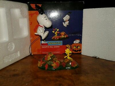 Department 56 Peanuts Snoopy's Woodstock Fall Leaves