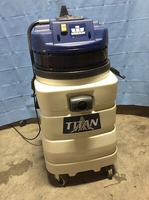 Windsor Titan Industrial Wet Vac Model T716 Very Good Condition Lightly Used