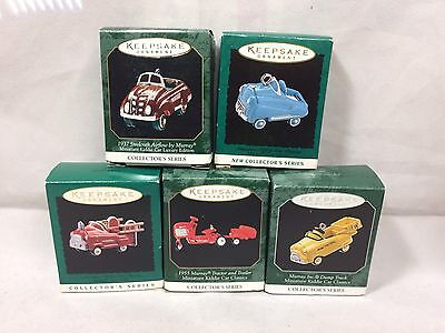 Lot Of Five Keepsake Miniature Kitty Car Classics Ornaments. Excellent Condition