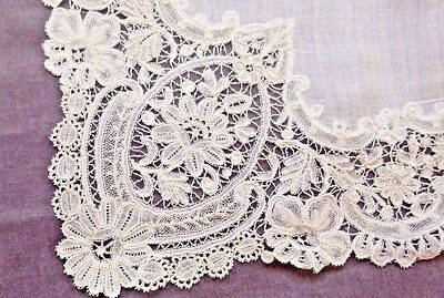 Very Nice BRUSSELS DUCHESSE Lace Handkerchief, Very Good Condition