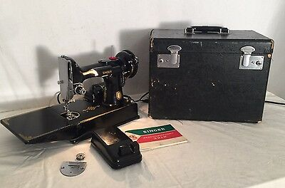 CLEAN 1958 VINTAGE SINGER 221-1 FEATHERWEIGHT SEWING MACHINE w/ CASE GLOSSY!
