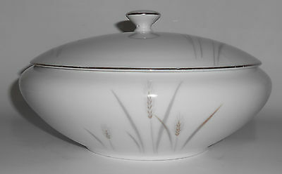 Fine China of Japan Platinum Wheat Covered Vegetable Bowl