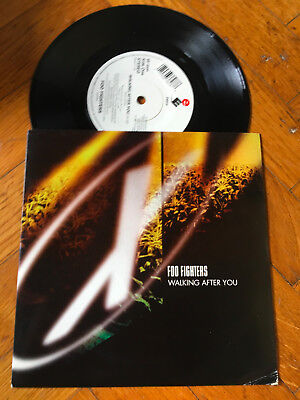 "7""   Foo Fighters ‎– Walking After You Label: Elektra GRUNGE NIRVANA"