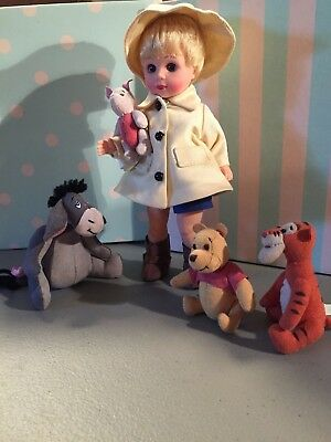 """M A  8"""" WINNIE THE POOH & THE BLUSTERY DAY Christopher Robin+ 4 felt characters"""