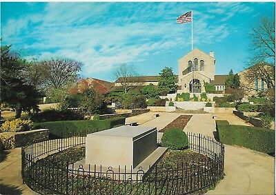 WILL ROGERS MEMORIAL Claremore Oklahoma Postcard 1990s UNUSED
