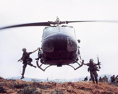 VIETNAM WAR PHOTO UH-1 HUEY HELICOPTER US ARMY COMBAT MILITARY 8x10  #21517